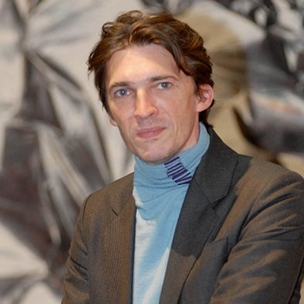 How Nicolas Bourriaud uses Facebook